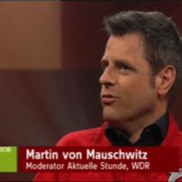 Marco von Mauschwitz (Moderator Aktuelle Stunde WDR) im Age Explorer Alterssimulationsanzug bei Dellings Woche
