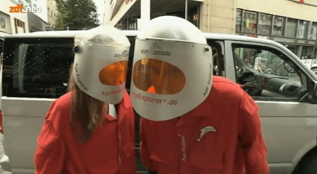 Lutz von der Horst und Christiane Stenger_Alterssimulationsanzug-Age Explorer-1